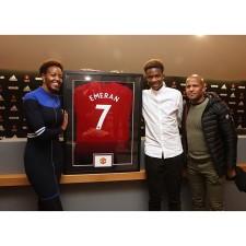 Manchester United assinou Noam Emeran